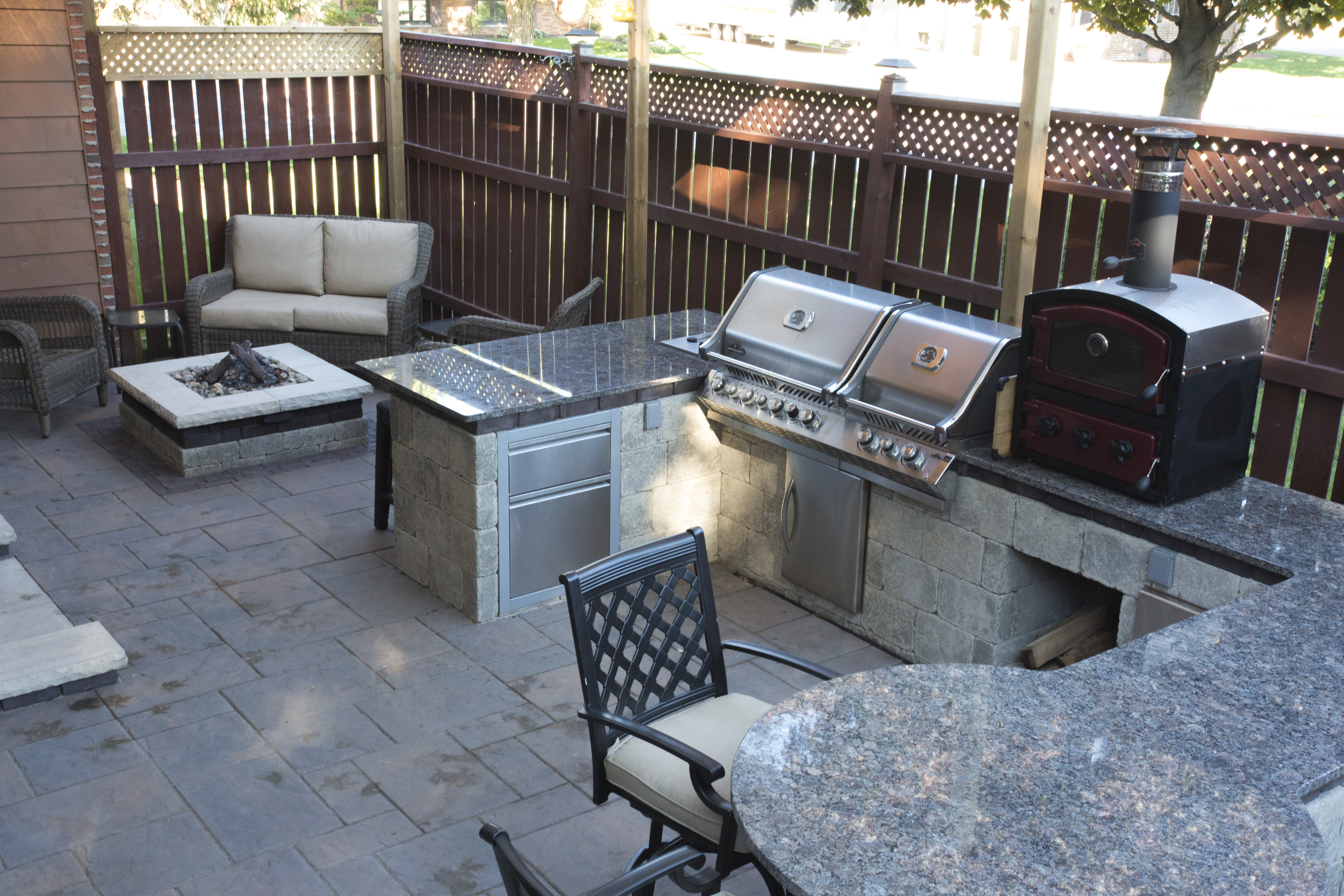 Creative Homescapes Outdoor Kitchens -  select outdoor kitchens