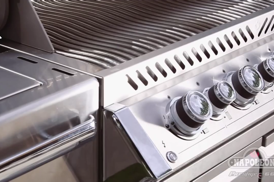 Engineered performance and masterful design is but half of what the Prestige PRO Series is all about. Chrome accents and full stainless steel construction create a beautiful grill.